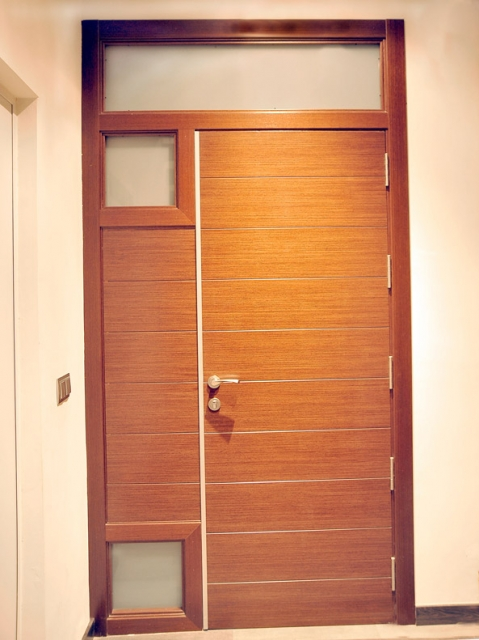 Pin puertas exteriores usadas madera diseo cristal - Puertas exteriores madera ...